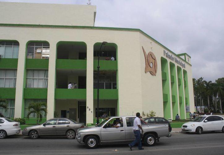 El Ayuntamiento capitalino adeuda 60 millones de pesos a proveedores. (Harold Alcocer/SIPSE)
