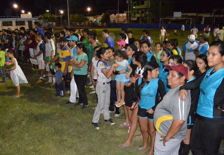 En la inauguración del torneo de Segunda Fuerza participaron 12 equipos. (Milenio Novedades)