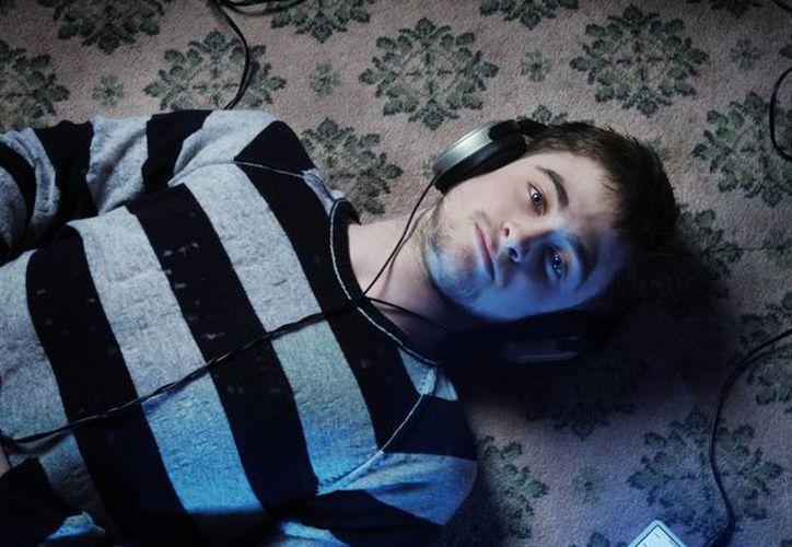 Los de la producción del filme sobre Mercury quedaron encantados porque Radcliffe canta y es de la misma estatura que el famoso rockero. (bloghogwarts.com)