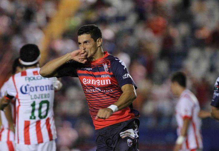 Rodrigo Salinas, delantero argentino de los Potros de Hierro del Atlante dio el triunfo al cuadro azulgrana sobre Necaxa. (Foto/Internet)