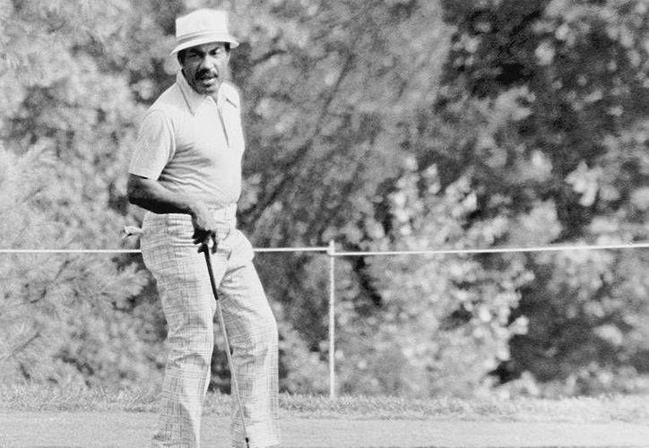 Charlie Sifford fue un parteaguas en la historia del golf de EU y Mundial. (courant.com)