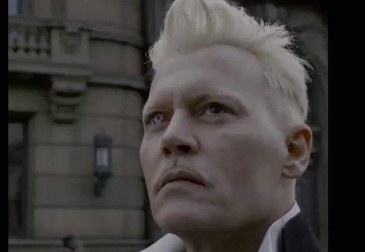 Johnny Depp interpreta a Gellert Grindelwald, villano de la saga Animales Fantásticos. (Warner Bros.)