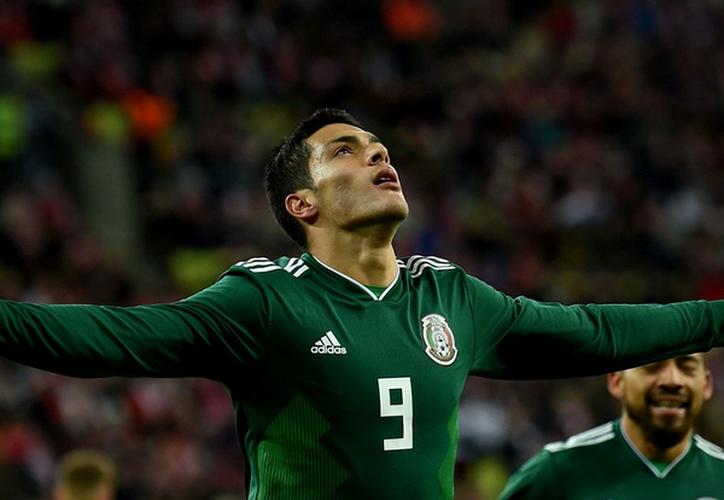 Raúl Jiménez anotó un gol ante Polonia. (Twitter).