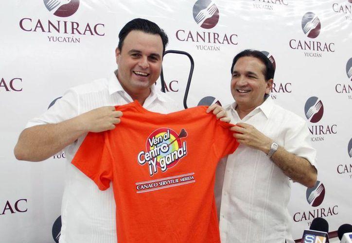 Alvaro Mimenza, de la Canirac, y José López Campos, de la Canaco. (Milenio Novedades)