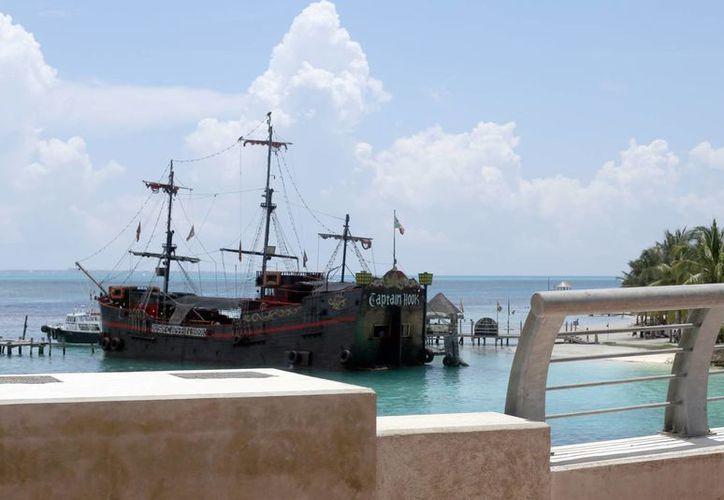 El embarcadero para tres naves de Capitán Hook costará más de dos millones de pesos. (Israel Leal/SIPSE)