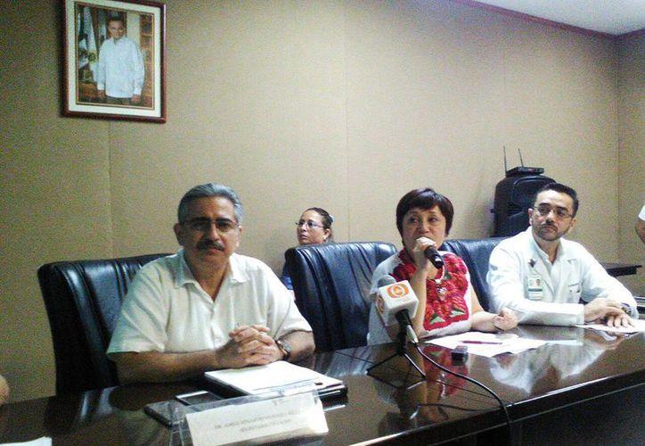 Imagen de la conferencia de prensa en donde se anunció el Primer Operativo de Descacharrización Masiva en Mérida. (Milenio Novedades)