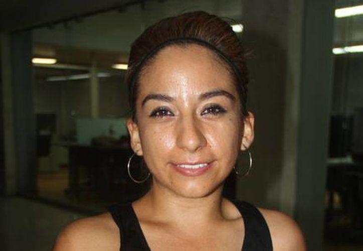 La entrenadora  Claudia Juache Ramírez espera contribuir a que los jóvenes quintanarroenses logren destacar en patinaje. (Raúl Caballero/SIPSE)