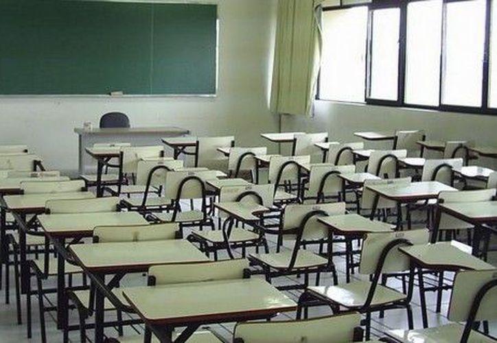 Las matrículas de las escuelas normales han disminuido. (Diario 16)