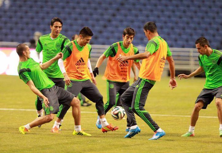 El partido entre México y EU será el último que ambas selecciones sostendrán antes de arrancar con la concentración definitiva previo a la fiesta mundialista en Brasil. (Archivo Notimex)