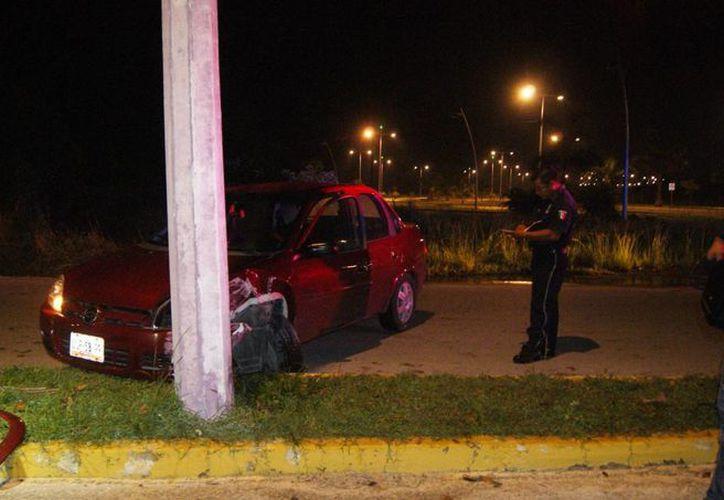 Los daños materiales del accidente fueron estimados en ocho mil pesos. (Redacción/SIPSE)