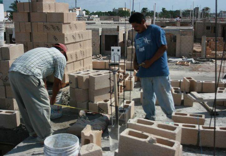 Los trabajadores afiliados a la CROC son canalizados con especialistas. (Adrián Barreto/SIPSE)