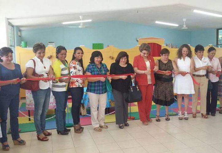 Imagen de la reinauguración de la biblioteca del jardín de niños ubicada en Villa Magna Sur, que cuenta con 240 alumnos. (Milenio Novedades)