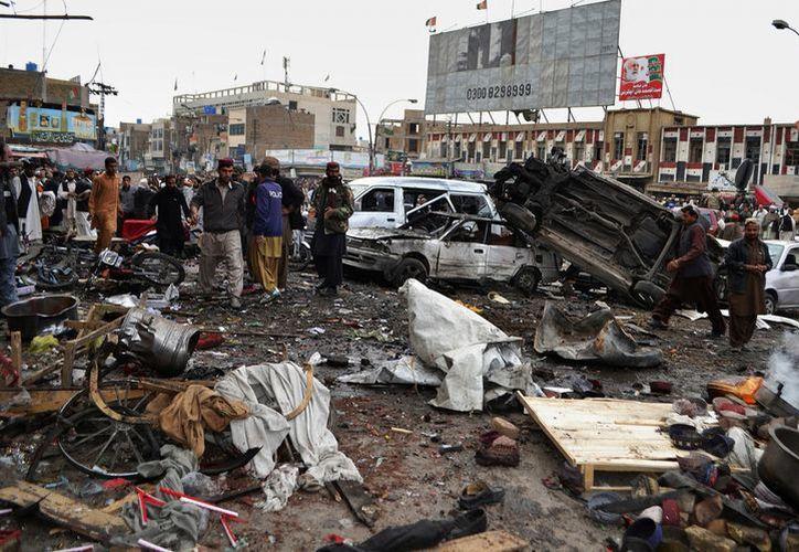 Escenario de ataque contra soldados paramilitares en una zona comercial de Quetta. (Agencias)