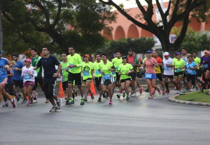 El Maratón de Mérida arrancará este domingo a las 06:00 horas y a las 07:00 horas iniciará la carrera de 10 kilómetros. (Foto de archivo de SIPSE)