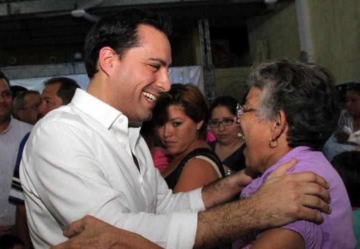 Mauricio Vila convivió con panistas del I distrito. (Milenio Novedades)