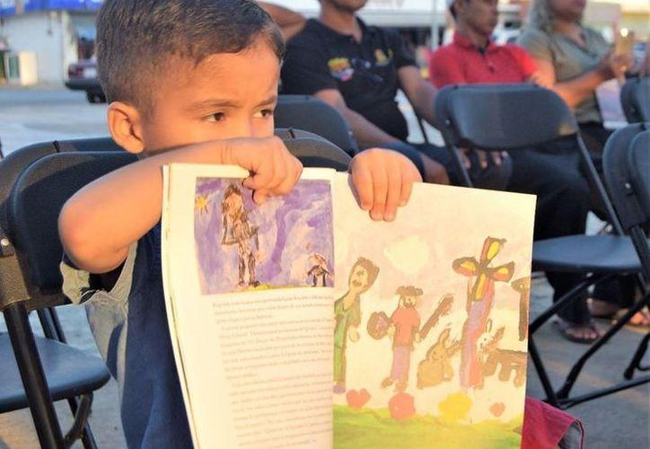 Los niños necesitan que la lectura sea algo atractivo. (Joel Zamora/SIPSE)
