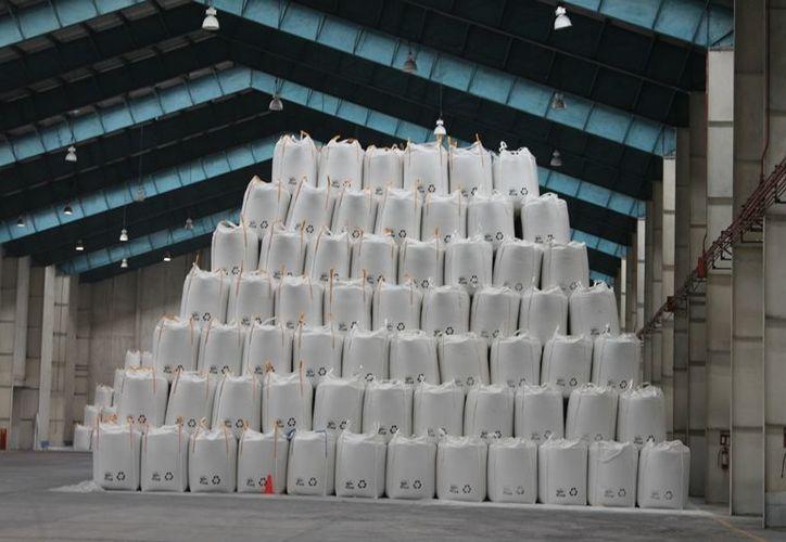 """Las 15 mil toneladas de azúcar """"liberadas"""" serán destinadas exclusivamente a la exportación. (Edgardo Rodríguez/SIPSE)"""