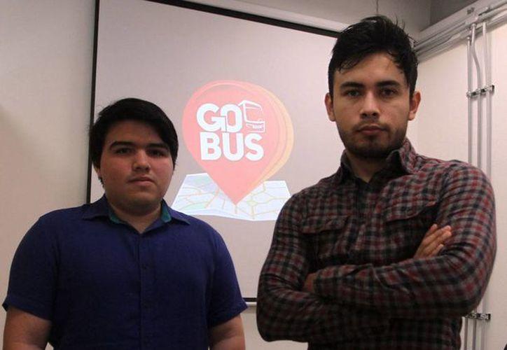 José Alberto Aguilera Estrella y  William Arzamendi  Manzanera, encabezan esa iniciativa, con la que desean revolucionar el servicio de transporte público de la mano del usuario y la tecnología móvil. (Jorge Acosta)