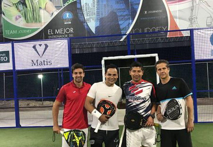 Las duplas tuvieron una gran participación en el Torneo de Aniversario. (Raúl Caballero/SIPSE)