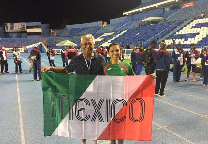 Ana Azarcoya, podría representar a México en el Campeonato Mundial de Atletismo Máster, en Korea. (Miguel Maldonado/SIPSE)