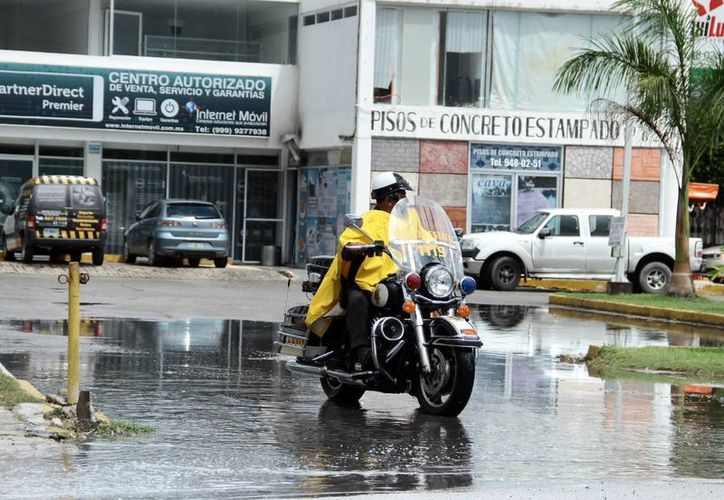 Una vez más llovió por la tarde en Mérida. La novedad fue que por primera vez en la semana, este jueves, la temperatura mínima fue menor a 24 grados. (SIPSE)