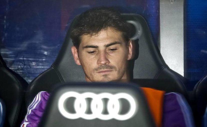 """El arquero merengue """"no cabe"""" en la banca del Real Madrid y está inquieto por eso, pues podría perder su lugar en la Selección Nacional. (Archivo/Efe)"""