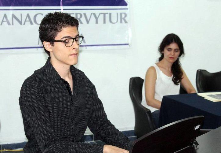 Jorge Juárez Álvarez tocará el piano para ayudar a personas desprotegidas. (Sipse)