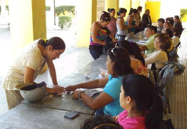 El monto total de las becas entregadas en la Casa de la Cultura es de 596 mil 300 pesos. (Manuel Pool/SIPSE)