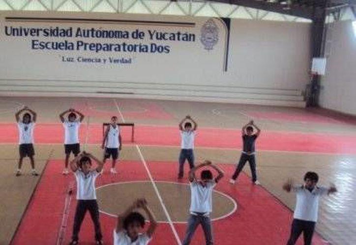 Alumnos de la Preparatoria 2 de la Uady bailarán el Harlem Shake. (Archivo)