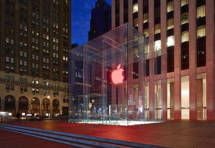 Apple ha estado tratando de impulsar sus ingresos por publicidad en dispositivos móviles durante años. (Agencias)