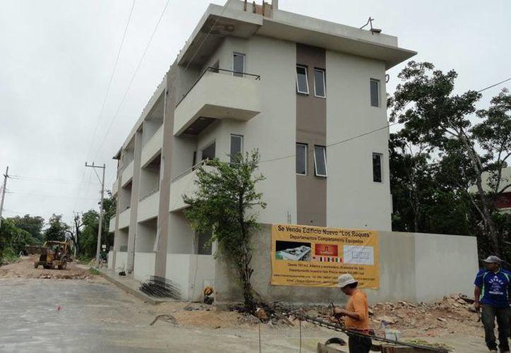 El municipio de Tulum clausuró las obras de ocho desarrollos habitacionales por diversas irregularidades. (Rossy López/SIPSE)