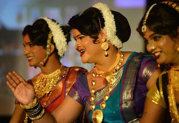 Los transexuales, que en la India y en todos los países del subcontinente hindú, desde Paquistán hasta Bangladesh, son una minoría que nunca ha sido tolerada. (Davide Scalenghe)