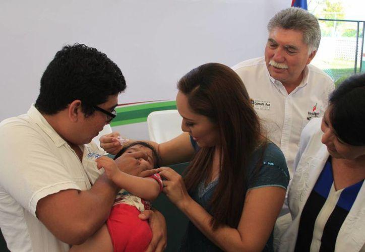Se aplicará la nueva dosis para combatir la poliomielitis entre los menores de edad. (Ángel Castilla/SIPSE)