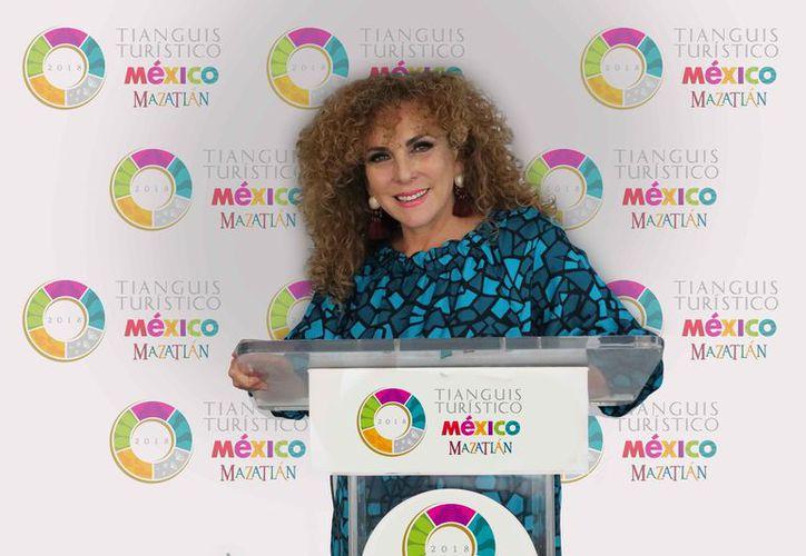 Luz María Beristain Navarrete durante su participación en el evento. (Cortesía)