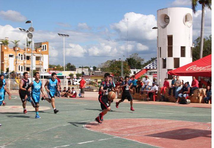 El municipio de José María Morelos cuenta con grandes talentos en el baloncesto, sin embargo, carecen de apoyo del ayuntamiento. (Foto: Tony Blanco  / SIPSE)