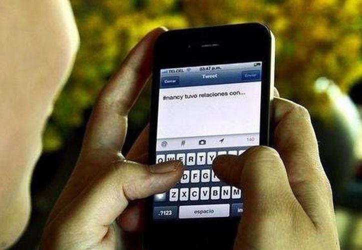Los docentes aprenderá a actuar en caso de que se registre alguna situación de acoso escolar a través de redes sociales. (Contexto/Internet)