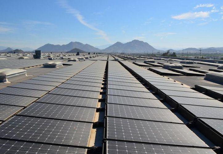 Las autoridades del sector eléctrico precisaron que la inversión de esa obra alcanzó los 11.9 millones de dólares. (EFE)