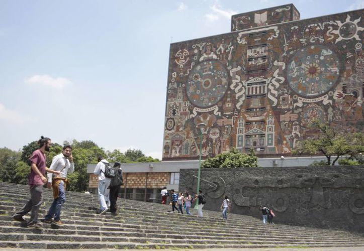 La UNAM es la segunda institución mejor ubicada de América Latina. (educacionyculturaaz.com)