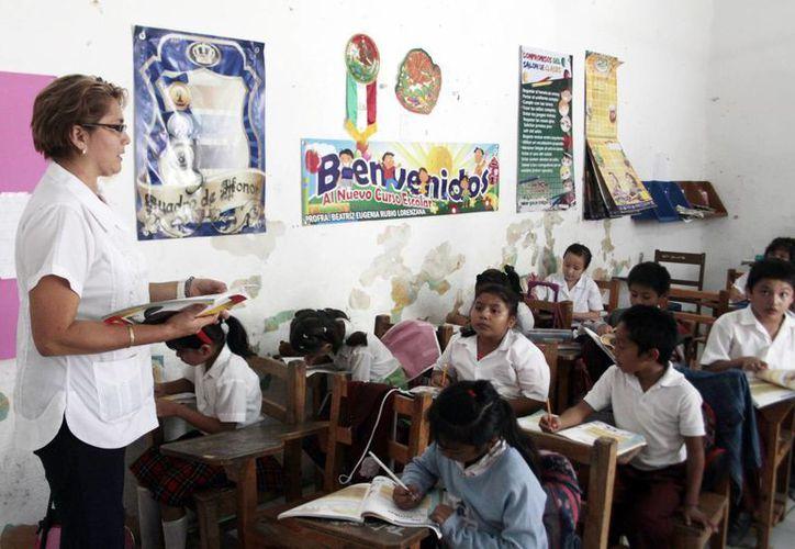 Piden replantear la forma en que se asignan las horas en secundaria. (Christian Ayala/SIPSE)