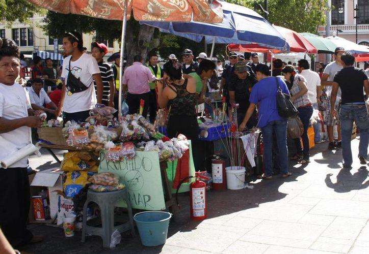 En el año pasado la venta de bombitas se concentró en el Eulogio Rosado. (Milenio Novedades)
