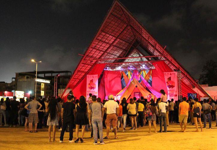 """""""Noche Urbana"""" con el fin de acercar al público a las artes. (Foto: Redacción/SIPSE)"""