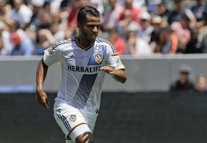 El delantero del LA Galaxy, Giovani Dos Santos, fue recibido en Torreón al grito de 'borracho', esto por su conocido gusto por la fiesta. (Archivo Mexsport)