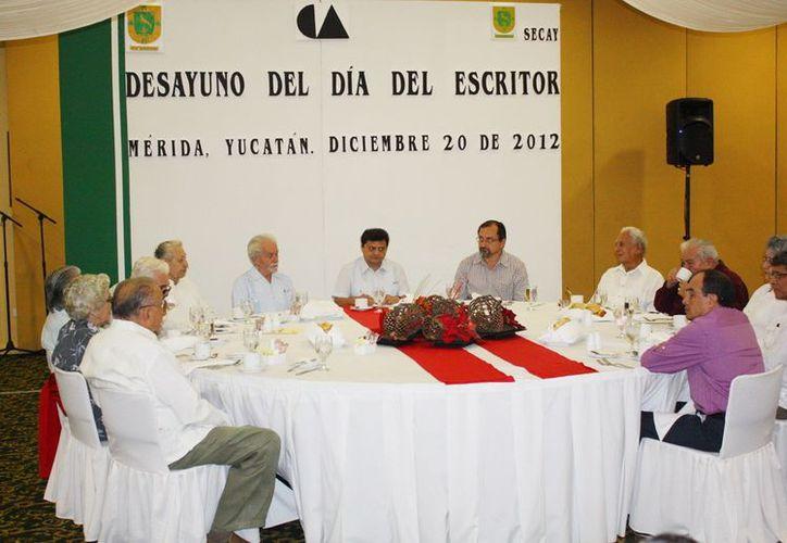 En el evento por el Día del Escritor se recordó a don Leopoldo Peniche, Antonio Betancourt, Renán Irigoyen y Conrado Roche. (SIPSE)