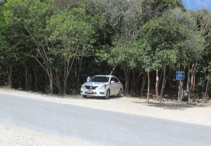 El lunes pasado, taxistas bloquearon el Parque Nacional, tras la postura de la Conanp de retirar los paraderos. (Sara Cauich/SIPSE)