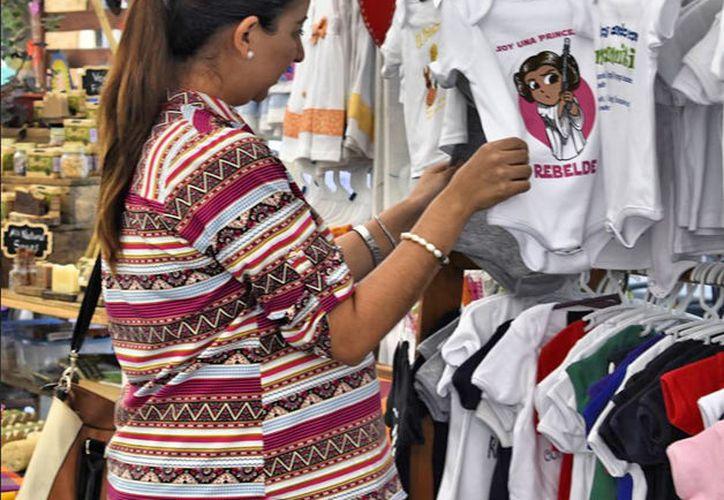 En los eventos se ofrecen diferentes productos a los turistas y ciudadanos locales. (Redacción/SIPSE)