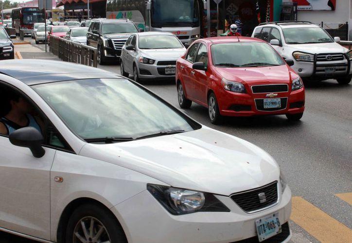 El centro de la ciudad sufre de problemas de movilidad. (Luis Soto/SIPSE)