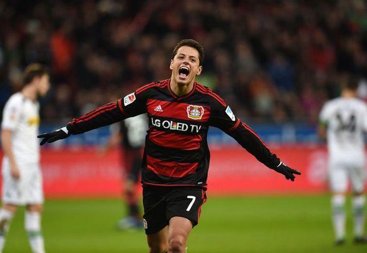El ariete mexicano Javier Hernández exigiría un sueldo semanal de 140 mil libras al equipo inglés West Ham United. (Contexto/Internet).