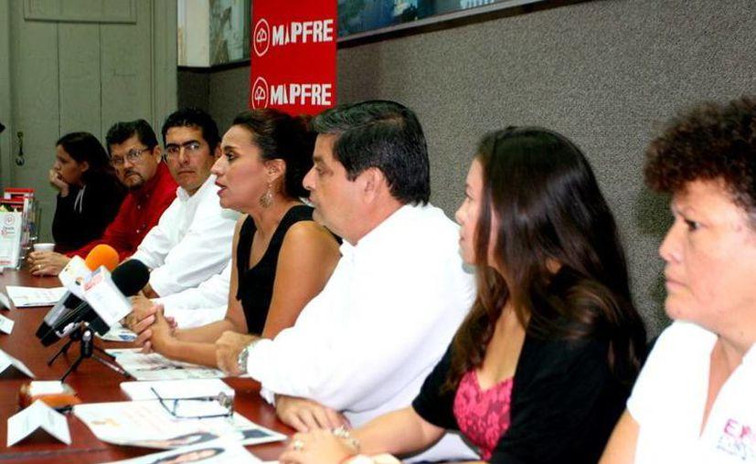 Imagen de la conferencia de prensa en donde la presidenta de la Amees dio detalles de la III Expo Mujer Empresaria. (Milenio Novedades)