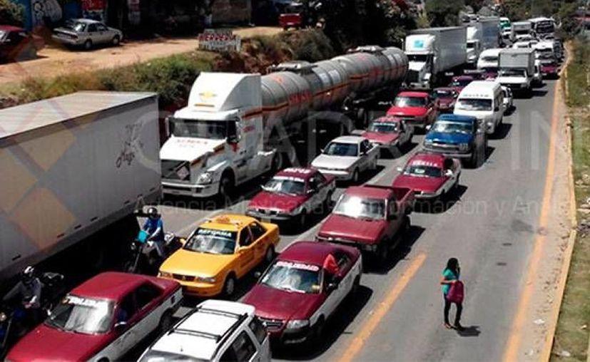 Se destacó la coordinación entre autoridades y gasolineras para que el combustible llegara rápido a las bombas despachadoras. (Foto: www.excelsior.com)