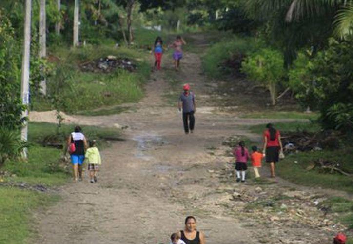 Las principales necesidades que presentan son obras de agua potable, saneamiento, energía eléctrica y caminos. (Harold Alcocer/SIPSE)
